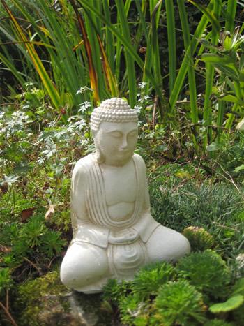 Small Buddha Statue Pale