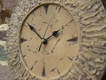 Small Round Clock Wall Dark