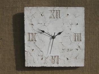 Small Roman Clock Pale