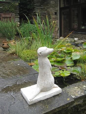 Right Meerkats Statue Pale