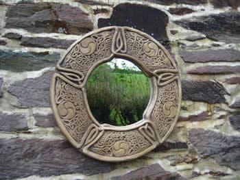 Celtic Mirror Dark