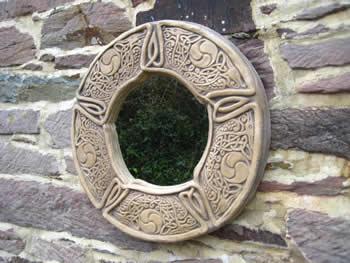 Celtic Round Wallmirror Dark