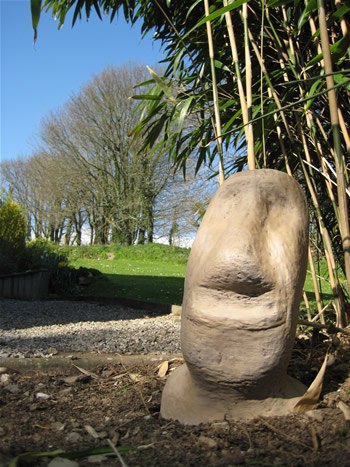 Xl Easter Island Dark