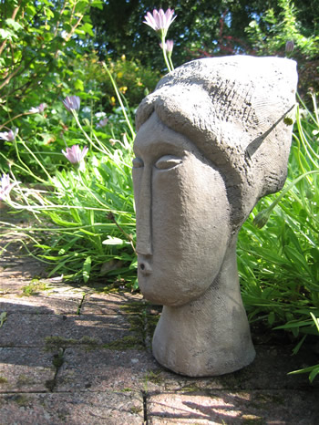 Medium Modigliani Statue Dark
