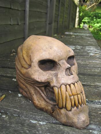 Large Alien Garden Skull Dark